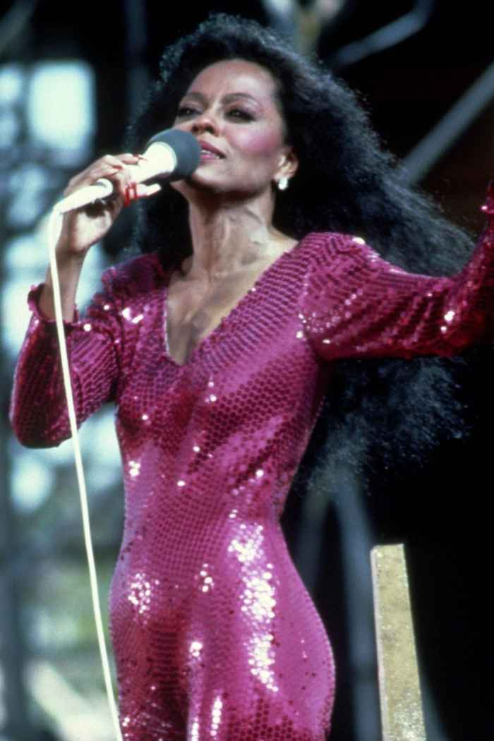 Diana Ross Long, Voluminous Curls