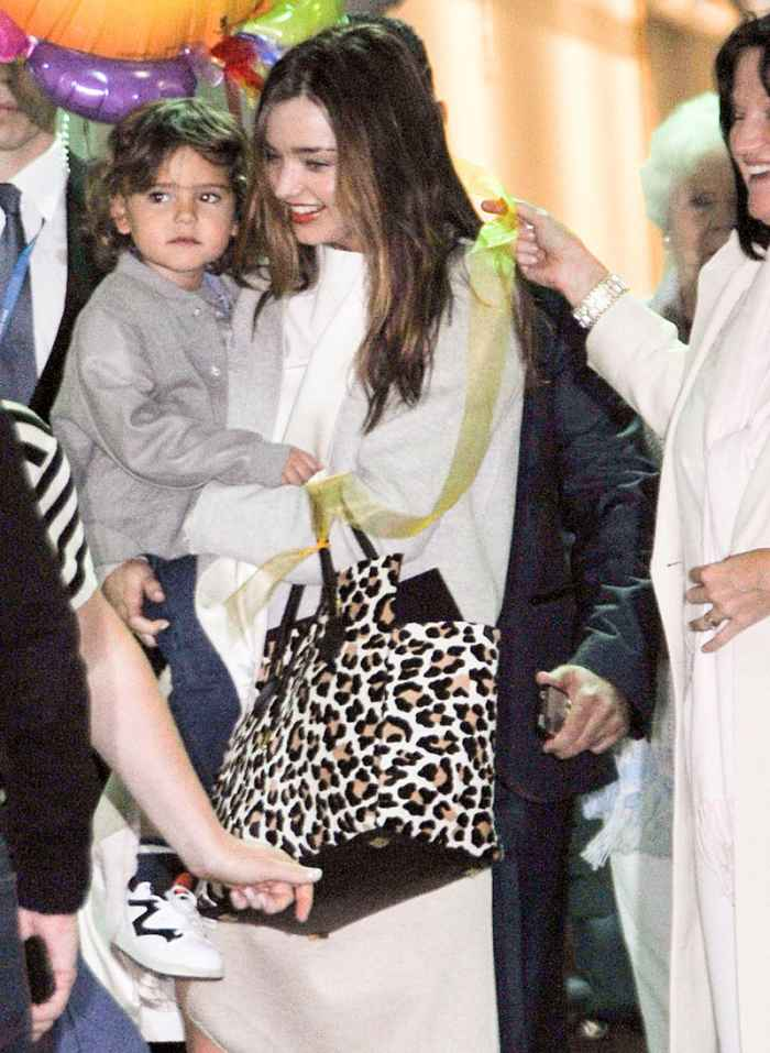 VS Model Miranda Kerr with kids