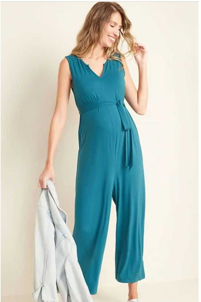 Sleeveless Wide Leg Jumpsuit Pregnancy Outfits